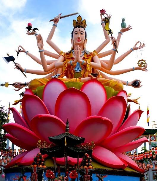 Thu tuong tang bang khen cho Dai duc Thich Phuoc Ngoc hinh anh 2