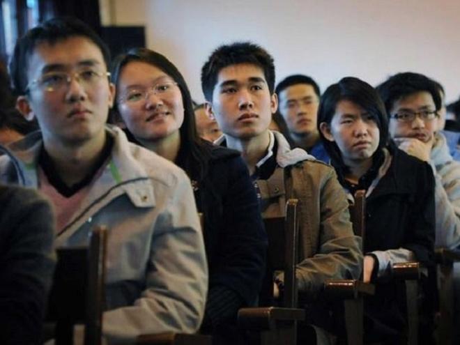 Vi sao 8.000 sinh vien Trung Quoc bi duoi hoc tai My? hinh anh