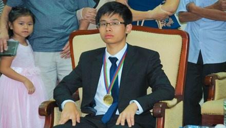 Huy chuong Vang Olympic Hoa hoc va uoc mo thanh bac si hinh anh