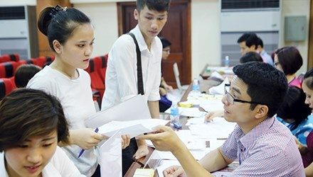 Xet tuyen nguyen vong 2: Can trong chon truong hinh anh