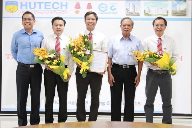 PGS.TS Nguyen Xuan Hung: 'Toi chon tro ve Viet Nam' hinh anh 1