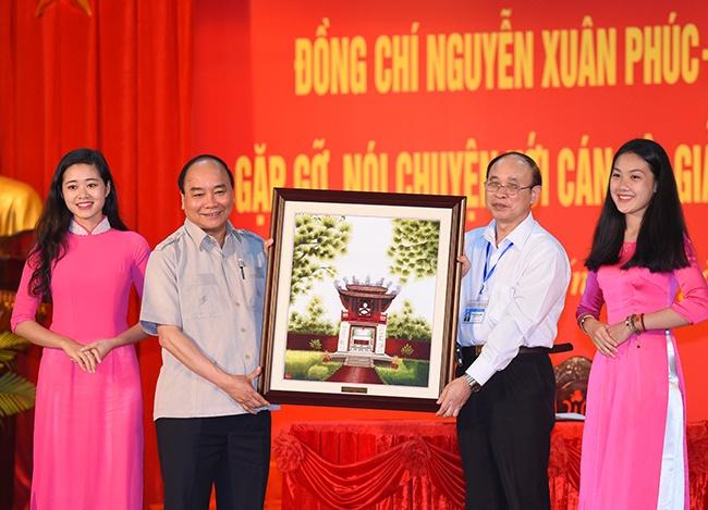 Thu tuong Nguyen Xuan Phuc: Sinh vien phai luon co hoai bao hinh anh 1