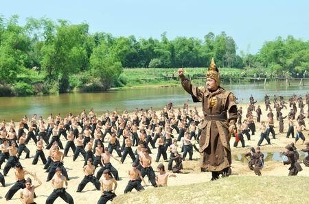 Vua nao nuoc ta danh tan 50 van quan cua Tan Thuy Hoang? hinh anh 3