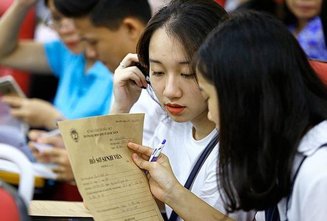 Tuyen sinh 2018: Cong bo ty le co viec lam, tin duoc khong? hinh anh