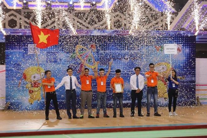 Viet Nam lan thu bay vo dich ABU Robocon 2018 hinh anh 1