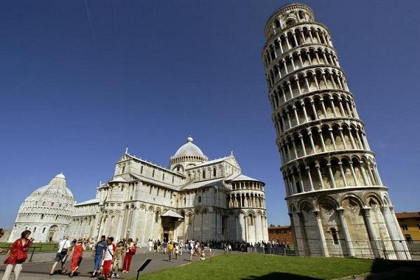 Trum phat xit tung ha lenh 'dung thang thap nghieng Pisa' hinh anh 7 7.jpg