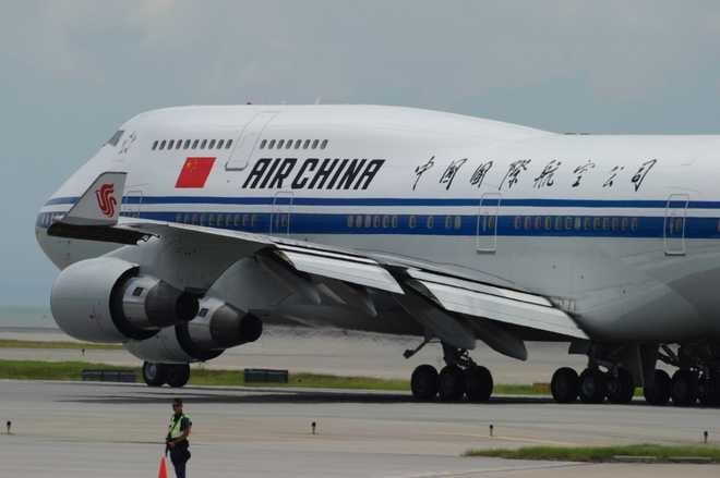 Air China sa thai phi cong hut thuoc khien may bay roi tu do hinh anh