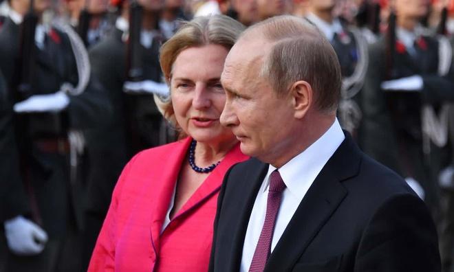 Putin du le cuoi ngoai truong Ao anh 1