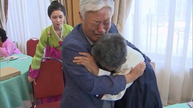 Doan tu Han-Trieu: Anh em gap lai sau 68 nam, so la lan cuoi trong doi hinh anh