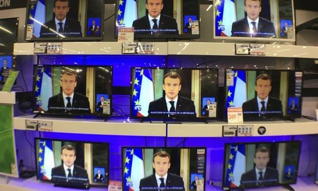 Phat bieu tai phong dat vang, TT Macron kho xoa diu bieu tinh Phap hinh anh 2