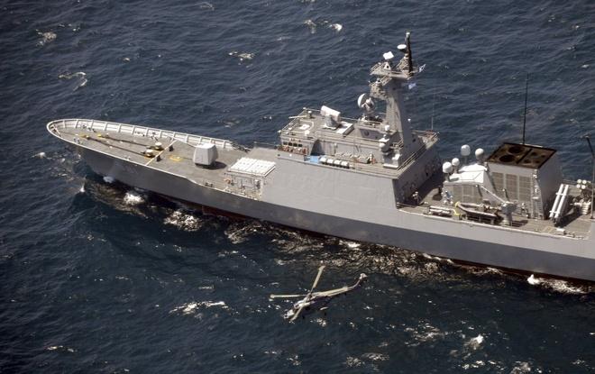 Tàu chiến Hàn Quốc mở radar ngắm bắn máy bay Nhật
