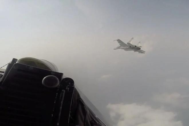 """TQ tiết lộ video đối đầu máy bay """"nước ngoài"""" trên biển Hoa Đông"""