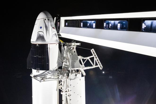 SpaceX thu nghiem tau vu tru, hua hen giup NASA het phu thuoc Nga hinh anh 2