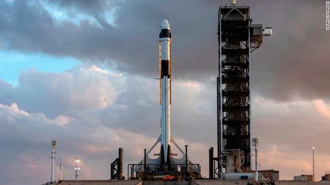 SpaceX thu nghiem tau vu tru, hua hen giup NASA het phu thuoc Nga hinh anh 1