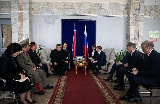 Kim Jong Un den Vladivostok anh 2