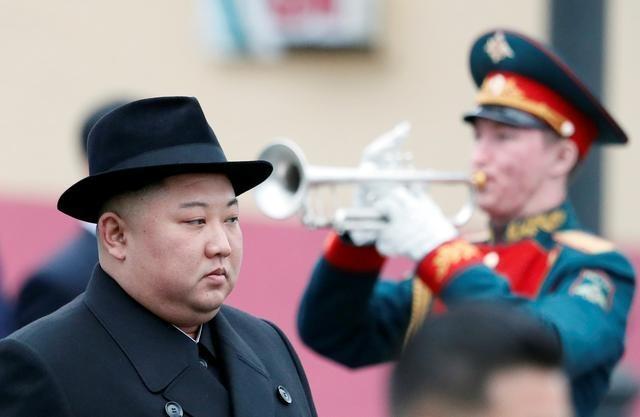 Sau khi Washington khuoc tu, ong Kim tim cach lam ban voi TT Putin hinh anh 1