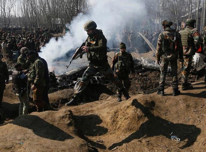 Quan doi An Do va Pakistan do sung quyet liet tai Kashmir hinh anh 1