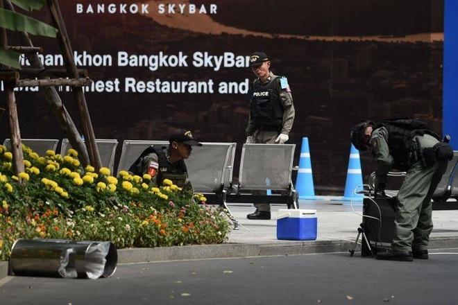 Hang loat vu no rung chuyen Bangkok giua luc dien ra hoi nghi ASEAN hinh anh 1
