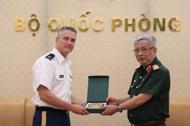 Thuong tuong Nguyen Chi Vinh anh 1