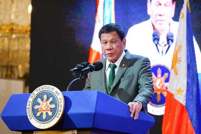 TT Duterte he lo ve van de suc khoe anh 1