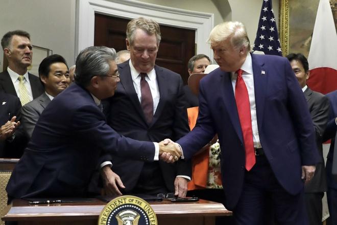 Ong Trump nham sinh nhat Thu tuong Abe voi Tong thong Putin hinh anh 1