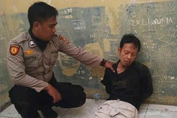 Bo truong An ninh Indonesia bi dam dao, can ve khong kip tro tay hinh anh 1