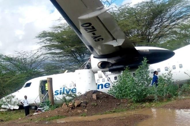 May bay truot khoi duong bang o Kenya khi dang cat canh hinh anh 1