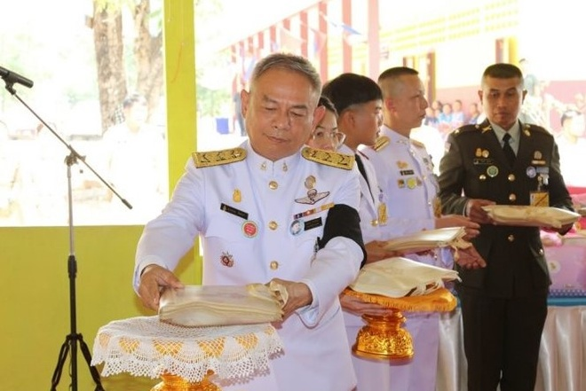 Sau hoang quy phi, vua Thai phe truat them 6 nguoi cua hoang gia hinh anh 1