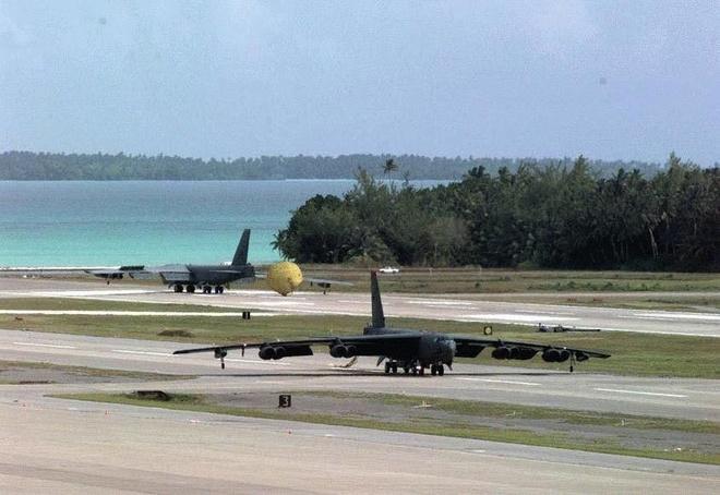 'Phao dai bay' B-52 My da den can cu nam sat Iran hinh anh 2 B52_1.jpg