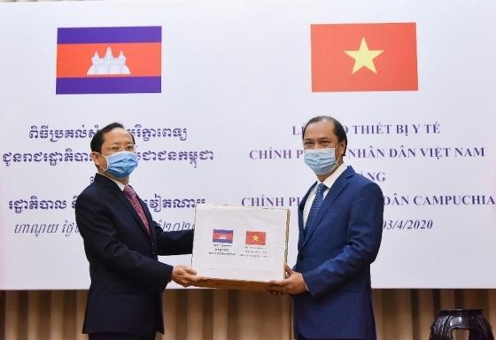 Viet Nam ho tro Lao,  Campuchia anh 1