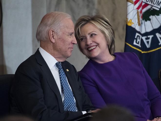 Ba Hillary Clinton ung ho ong Joe Biden anh 1