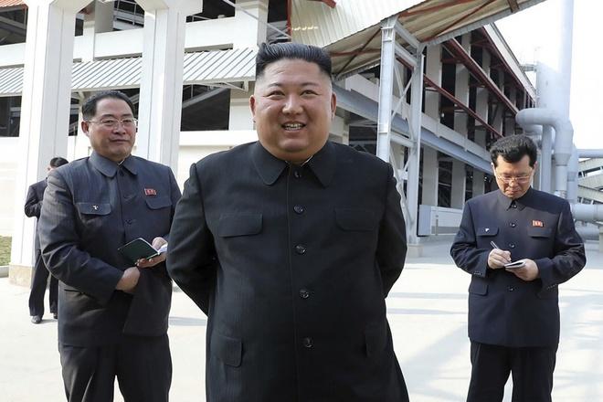 Doan tau va oto cua ong Kim Jong Un tai xuat o khu vuc Binh Nhuong hinh anh 1 Kim_Jong_Un.jpg