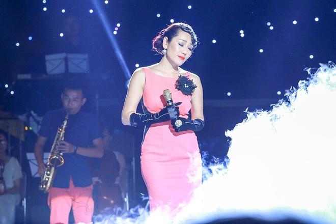 Minh Thu 'len dong' hat Det tam gai phien ban EDM hinh anh