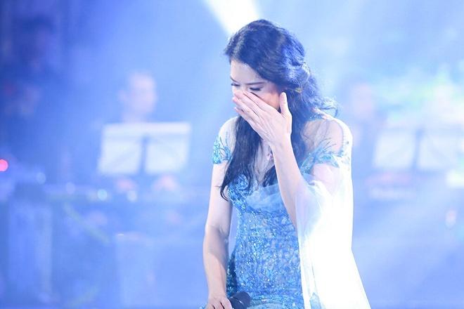 Ly giai su vang bong cua hoc tro trong live show Thu Phuong hinh anh