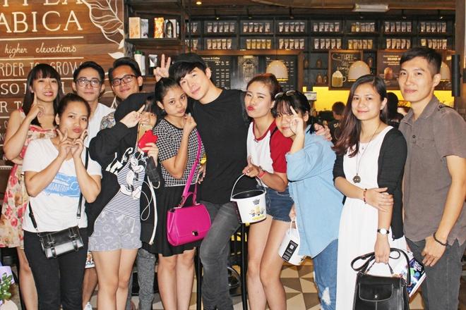 Nathan Lee hanh phuc trong vong vay fan thu do hinh anh 7