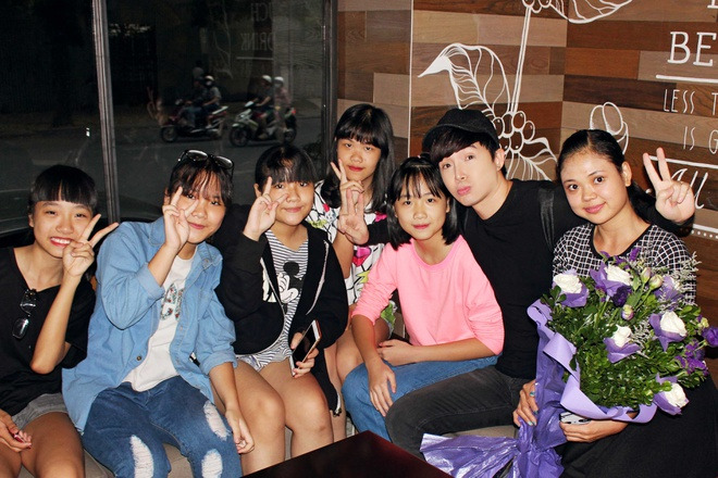 Nathan Lee hanh phuc trong vong vay fan thu do hinh anh 5