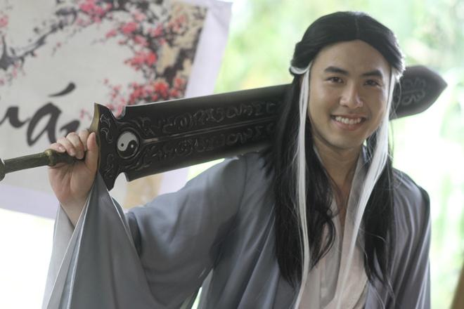 Akira Phan hoa Duong Qua trong phim hai ca nhac hinh anh
