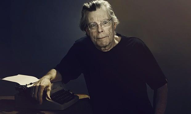 Vua truyen kinh di Stephen King lam giam khao hinh anh 1
