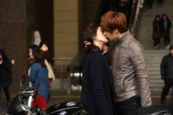 Su that khong nhu mo ve nhung nu hon trong phim Han hinh anh 8
