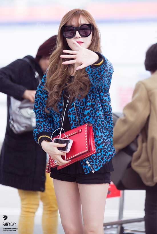 Style san bay cua co nang mat cuoi dep nhat Kpop hinh anh 8