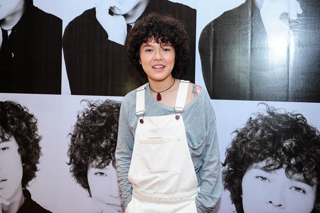 Tien Tien chi mat 5 trieu dong lam MV 'Vi toi con song' hinh anh