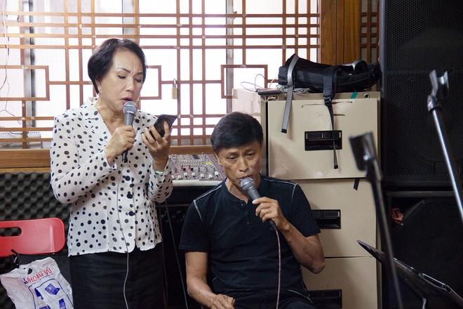 Tuan Ngoc va Le Thu song ca trong dem nhac Ngo Thuy Mien hinh anh