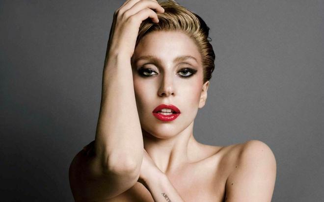 Lady Gaga: Ro-bot thoi trang tim lai ban nga hinh anh