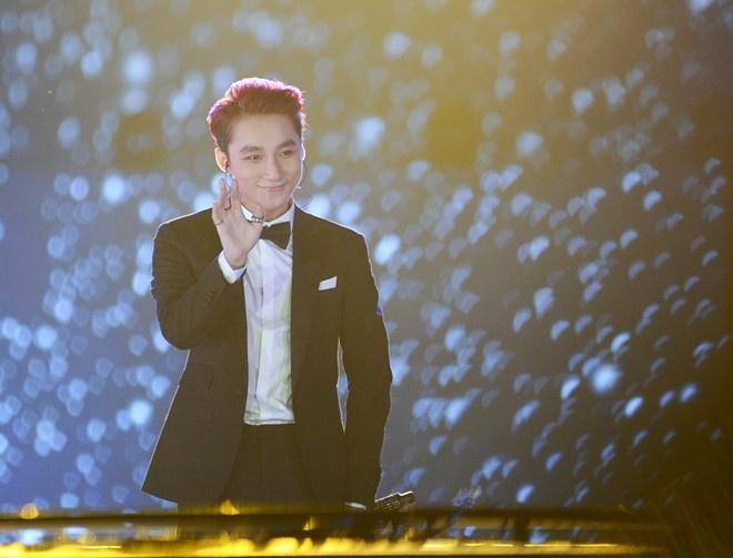Son Tung M-TP: cot moc live show va... hinh anh 1