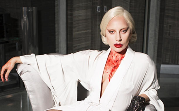 Lady Gaga lang le khoc thuong David Bowie hinh anh 1