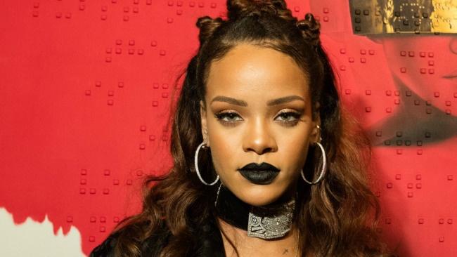 Rihanna: Duoc an ca ma nga... cung chang sao hinh anh 1