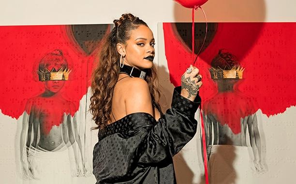 Rihanna: Duoc an ca ma nga... cung chang sao hinh anh 3