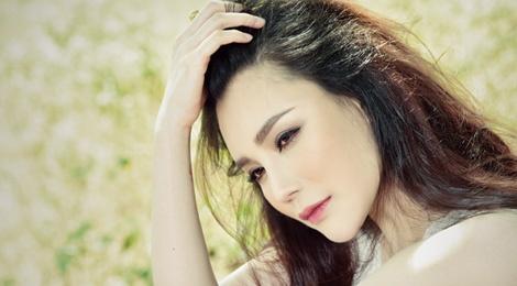 Ho Quynh Huong gui 'Canh thiep dau nam' hinh anh