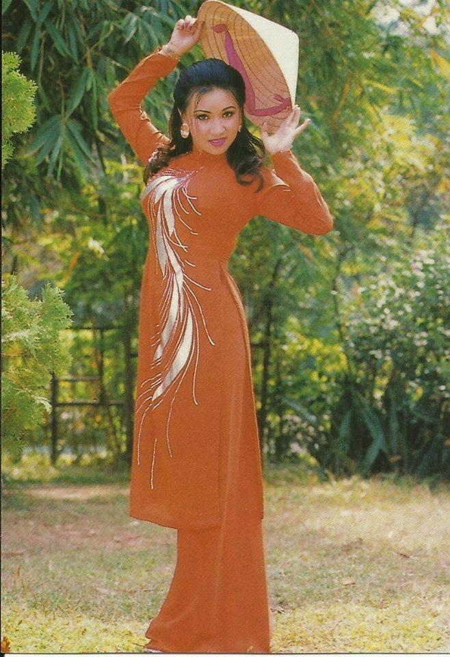 Mac ao dai nhu Diem Huong, Viet Trinh, Diem My hinh anh 7