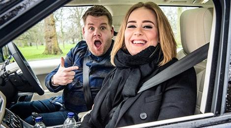 Adele lap ky luc voi man karaoke trong xe hoi hinh anh
